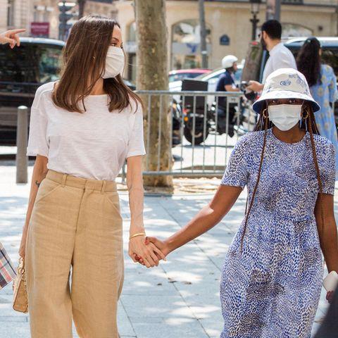 Angelina Jolie schlendert händchenhaltend mit ihrer Tochter durch Paris.