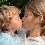 26. Juli 2021  Wochenstart mit süßen Küssen: Cathy Hummels hat in den nächsten Tagen viel zu tun, und für die richtige Motivation gibt es von Ludwig süße Küsse für seine fleißige Mama.