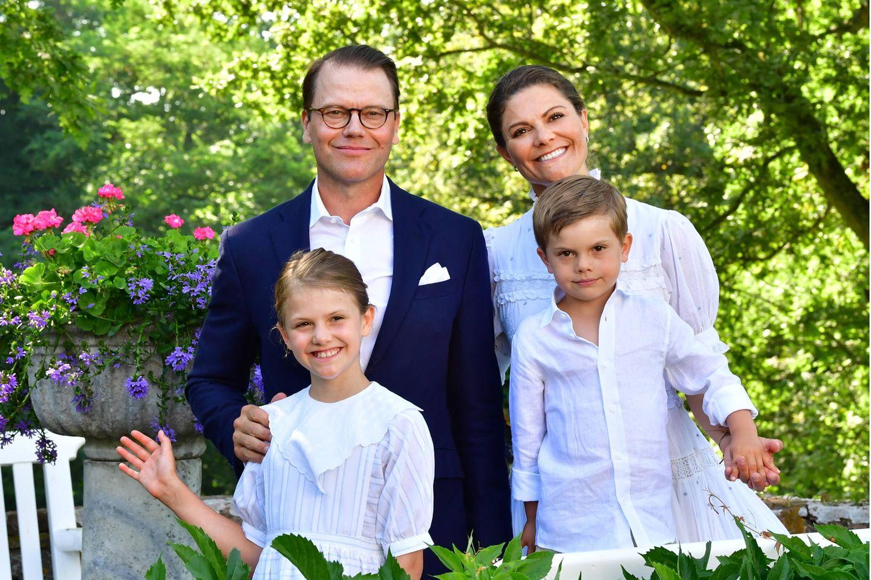 Prinz Daniel und Prinzessin Victoria mit ihren Kindern Prinzessin Estelle und Prinz Oscar
