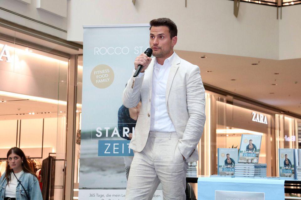 Rocco Stark bei der Vorstellung seines Buches im September 2019.