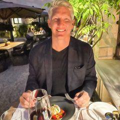 Mahlzeit: Bastian Schweinsteiger im Restaurant
