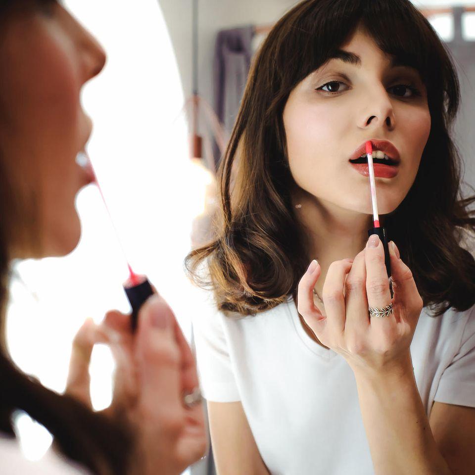 Beauty-Addicts aufgepasst!: Das ist die beliebteste Lippenstift-Farbe 2021