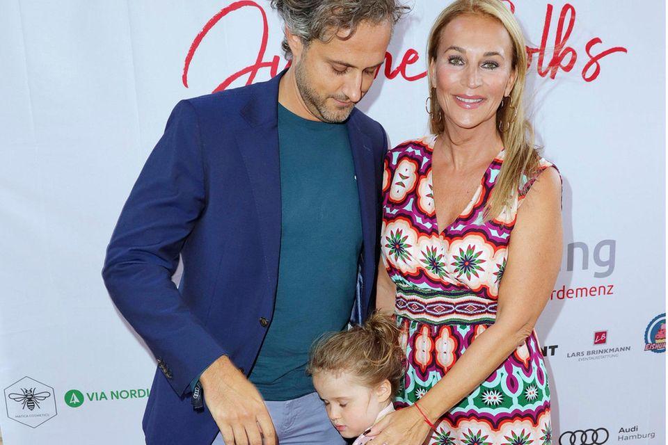 Philipp Sattler, Tochter Ava und Caroline Beil