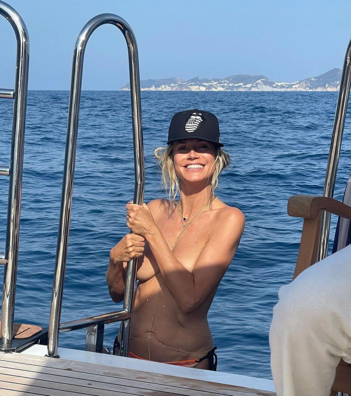 Heidi Klum zeigt sich fast nackt auf ihrer Yacht
