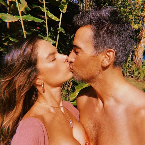 Ein bisschen Liebe und ein bisschen Sonne, mehr brauchen Topmodel Alessandra Ambrosio und ihr Freund Richard Lee nicht, um glücklich zu sein.