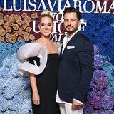 Die frisch gebackenen Eltern Katy Perry und Orlando Bloom statten der Gala ebenfalls einen Besuch ab. Katy trägt ein futuristisches Kleid von Pierre Cardin.