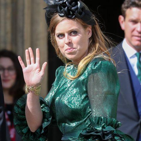 Prinzessin Beatrice: Stylischer Auftritt mit Babybauch und Pünktchenkleid