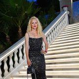 """Eleganten Glamour bringt auch Franziska Knuppe zur Eröffnungsfeier in die """"Villa Remus""""."""