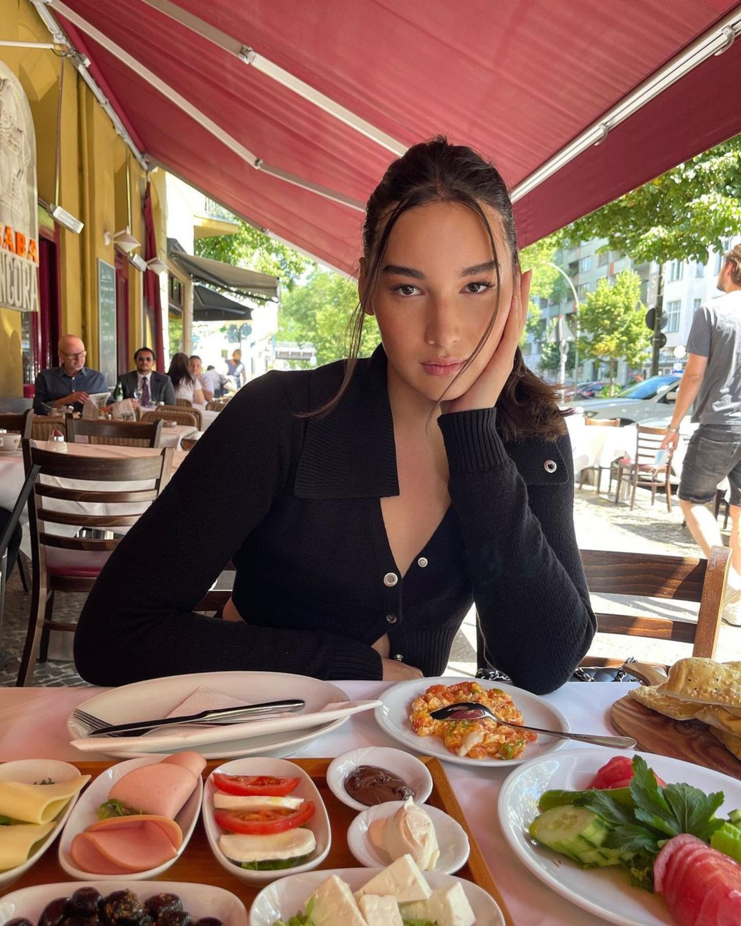 Alex Mariah Peter: Frühstück