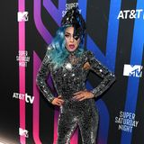 Wie ein zerbrochener Spiegel glitzert Lady Gaga bei derTV Super Saturday Night im Februar 2020 in Miami.