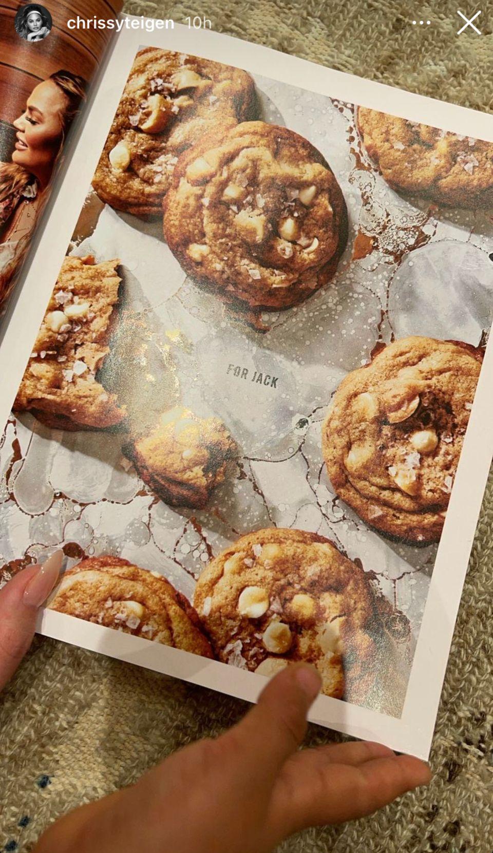 Chrissy Teigen: Ihr neues Kochbuch ist eine Hommage an ihr Sternenkind Jack