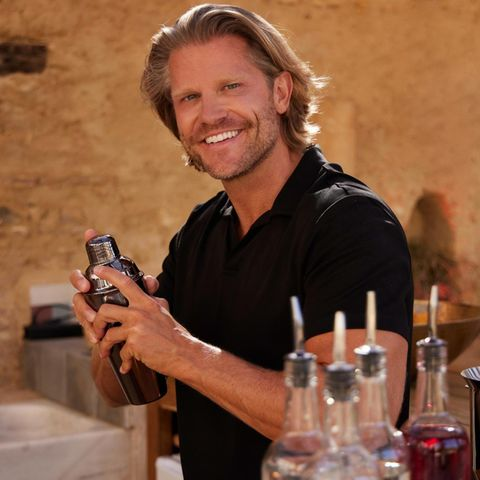 "Paul Jahnke als Barkeeper bei ""Bachelor in Paradise""."