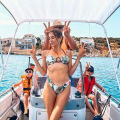 Familie Hummels: Cathy Hummels mit Famlie auf einem Boot
