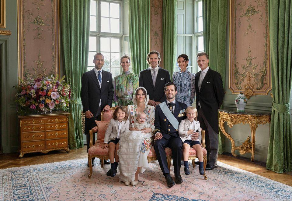 Taufe Prinz Julian: Offizielles Porträt mit Paten