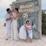 Coco Rocha macht küssendes Familienfoto