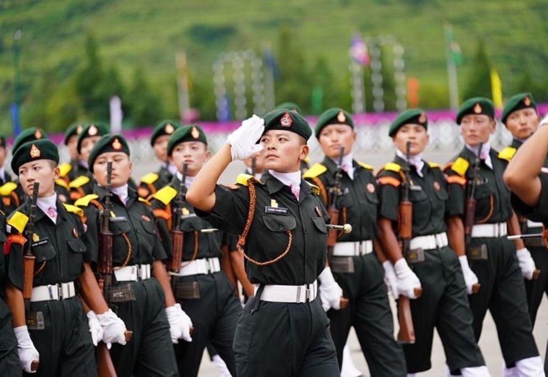 151 Männer und 150 Frauen wurden für die royale Armee von Bhutan ausgebildet