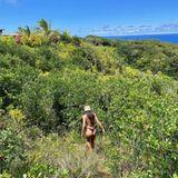Outdoor: Lais Ribeiro in Hawaii