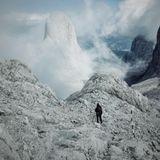 Stars in der Natur: Jan Koeppn im Gebirge