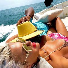 Sophia Vegas auf einem Boot