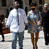 """Keine Promi-Party ohne Kris Jenner!Die """"Momagerin"""" genießt etwas Zweisamkeit mit Corey Gamble in Venedig – natürlich trägt sie dabei Dolce & Gabbana."""