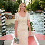 Als Markenbotschafterin von Dolce & Gabbana glänzt Lady Kitty Spencer in Venedig natürlich in mehreren tollen Looks des Luxuslabels.