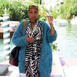 Kuschelteddy trifft Zebra: Jennifer Hudson zeigt sich bei ihrer Ankunft im Hotel in Venedig ganz gemütlich.