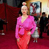 """Christina Aguilera leuchtet bei der """"Mulan""""-Premiere in Pink und Rot"""