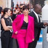 Fashion-Knaller: Kris Jenner ist in ihrem pinkfarbenen Anzug nicht zu übersehen.