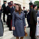 Auch während ihrer Schwangerschaften beweist Königin Rania Stil und elegante Lässigkeit zugleich. Vielleicht hat sich die spätere Herzogin Catherine schon ganz früh, hier im Jahr 2000 und damit vor ihrem Kennenlernen mit Prinz William, von der jordanischen Queen inspirieren lassen.