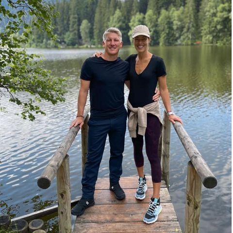 Bilder ihrer Liebe: Bastian Schweinsteiger + Ana Ivanovic´ in der Natur