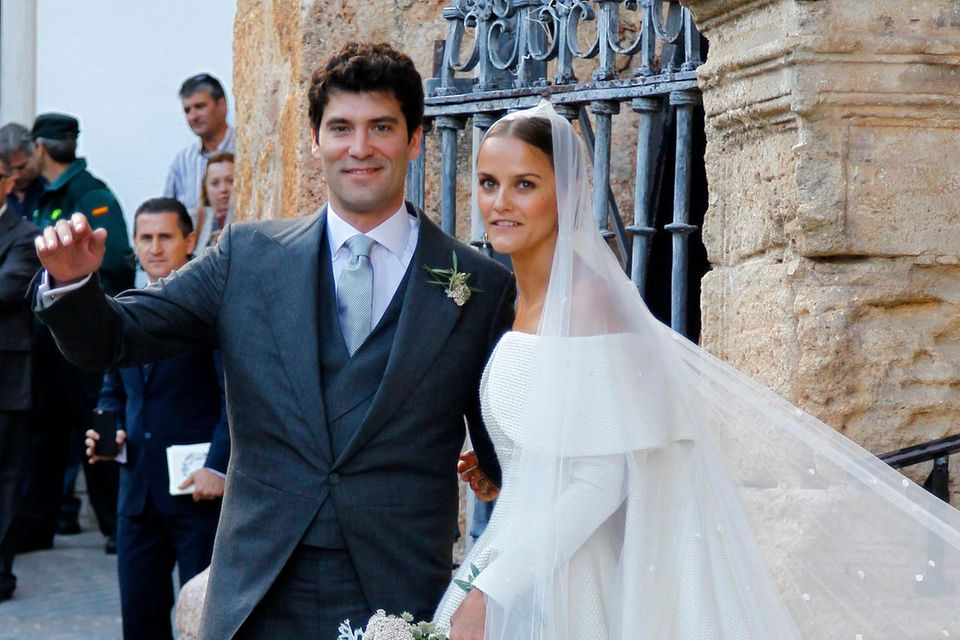 Spätestens seit ihrer Traumhochzeit im spanischen Íllora 2016 sind Alejandro und Charlotte Santo Domingo nicht nur jeder für sich, sondern auch als Paar in der internationalen High Society eine gesetzte Größe. Zwei kleine Kinder krönen die Liebe der Beiden.