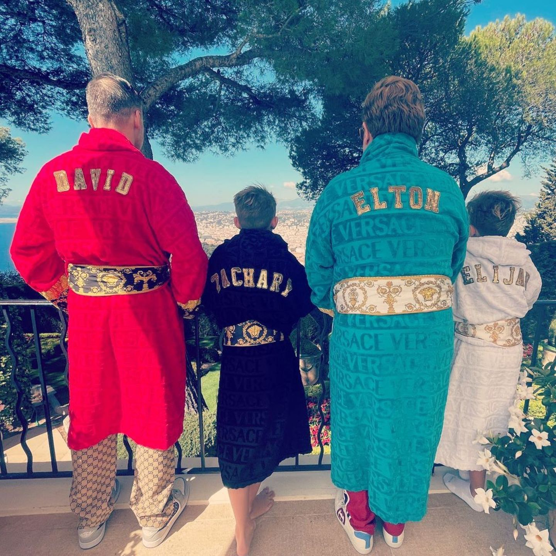 Die süßen Sprösslinge der Stars: Elton John mit Ehemann und seinen zwei Kindern