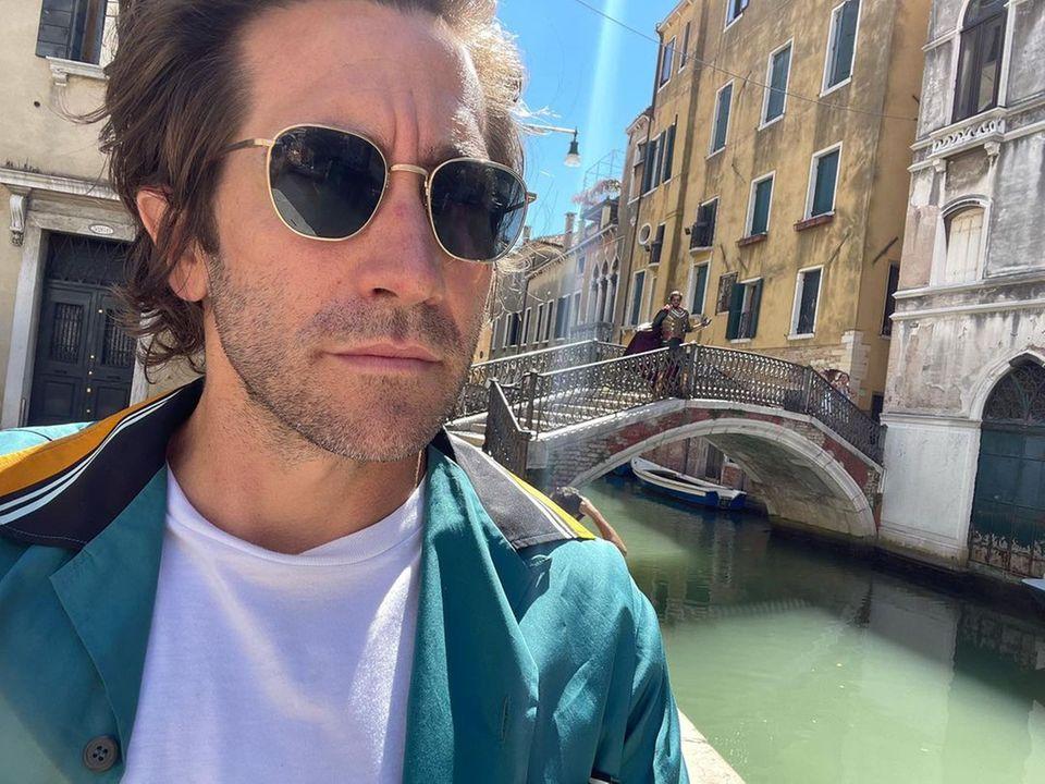 Star-Gezwitscher 2021: Jake Gyllenhaal postet Selfie aus Venedig