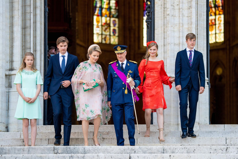 V.r.n.l.: Prinzessin Eléonore, Prinz Gabriel, Königin Mathilde, König Philippe, Prinzessin Elisabeth und Prinz Emmanuel