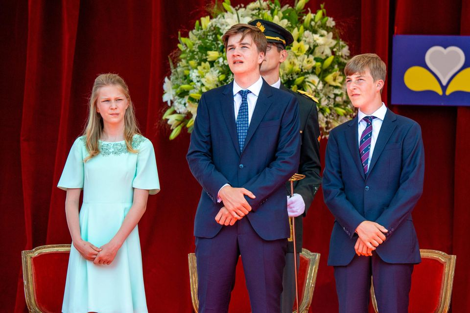 Prinzessin Eléonore (li.) und Prinz Emmanuel (re.) mit ihrem älteren Bruder Prinz Gabriel.