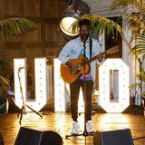 Wer sonst noch feiert: Sänger Kelvin Jones als Liveact beim Charity-Event