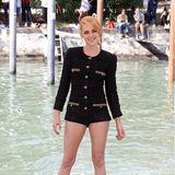 Und auch bei ihrer Ankunft in der Lagunenstadt trägt Kristen natürlich ein Outfit ihres Lieblingslabels Chanel.