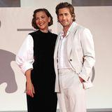 """Geschwister-Style in Schwarz und Weiß: Maggie und Jake Gyllenhaal bei, Screening des Films""""The Lost Daughter"""""""