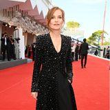 Elegant funkelt es beim Red-Carpet-Look von Isabelle Huppert.