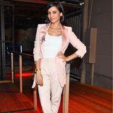 Pastelltöne waren auch beiCollien Ulmen-Fernandes ein Thema, die auf einen rosafarbenen Suit setzt.