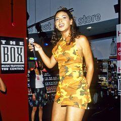 Mit gerade mal 16 Jahren ist Beyoncé Knowles mit ihrer R'n'B-GirlgroupDestiny's Childschon ein feste Größe im Musikbusiness, Auftritte in Plattenläden, wie hier im Juni 1998 aber immer noch an der Tagesordnung. Nach Beginn ihrer unglaublich erfolgreichen Solokarriere ab 2002 ist sie dann eher auf den größten Bühnen der Welt und sogar auf der Kinoleinwand zu sehen gewesen.