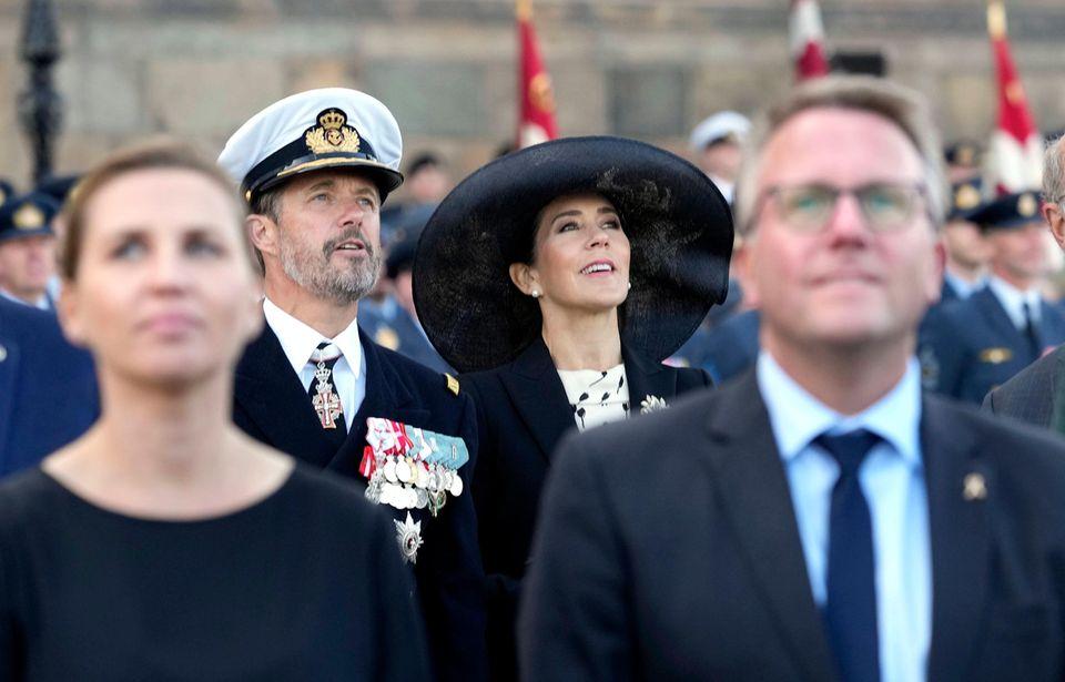 RTK: Prinz Frederik und Prinzessin Mary bei der Parade zum Flaggentag