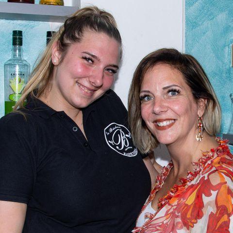 Joelina Karabas und Daniela Büchner