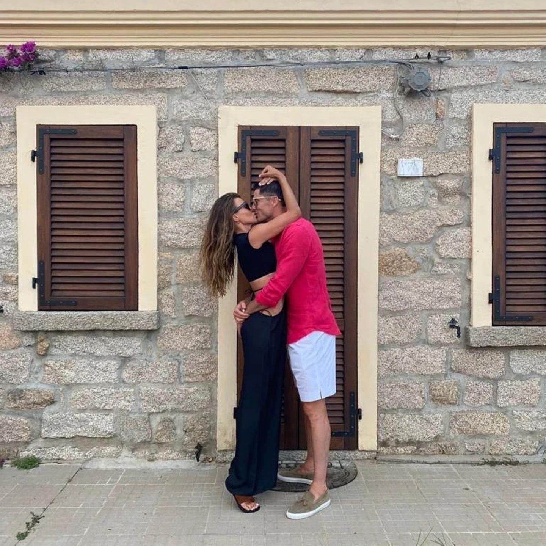 Stars total verliebt: Kuss zwischen Robert Lewandowski und seiner Frau Anna