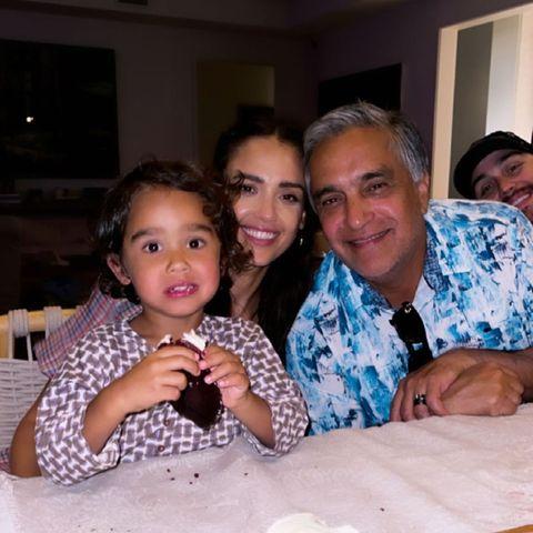 Familie Alba: Schnappschuss mit Jessicas Papa Mark zu seinem Geburtstag