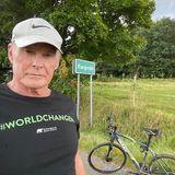 Fitness: David Hasselhoff mit Fahrrad