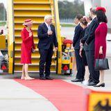 Besuch in Schweden: Frank-Walter Steinmeier und Elke Büdenbender werden am Flugzeug begrüßt