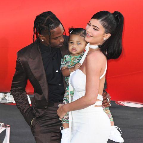 Kylie Jenner und Travis Scott mit Töchterchen Stormi.