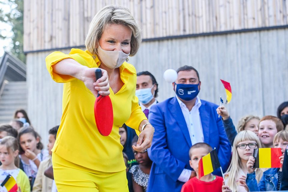 RTK: Königin Mathilde beim Tischtennis