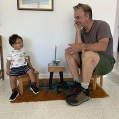 Sprösslinge: Chris Noth und sein Sohn beim Teekränzchen